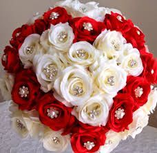 Resultado de imagem para bolo de casamento vermelho e branco com noivos