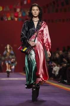 Etro Ready To Wear Collection Fall Winter 2017 Fashion Show in Milan