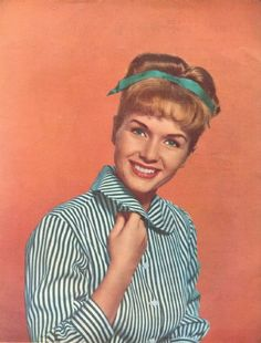 Debbie Reynolds was a Girl Scout and a Girl Scout leader! I knew I liked her for a reason