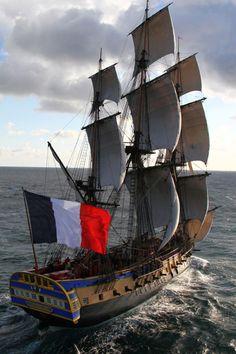 Brest : Le retour triomphal de l'Hermione à Brest le 10 août 2015   Mer et Marine   Finistère Bretagne #myfinistere