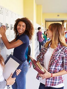 10 Tips On How To Be More Outgoing & Social In School | Gurl.com