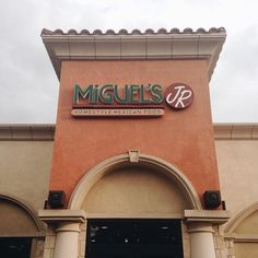 Street tacos from Miguel's makes my heart 150% happy! #miguelsjr #cravings