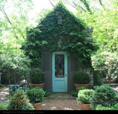 Incredible backyard storage shed makeover design ideas - All For Garden Backyard Storage Sheds, Backyard Sheds, Garden Sheds, Outdoor Storage, Garden Tools, Dream Garden, Home And Garden, Garden Cottage, Garden Whimsy