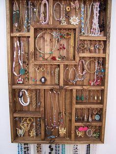 organizador joyeria... una linda idea para organiar tus collares