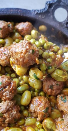 Kefta tagine with peas and beans Source by ouledjamaa Lunch Recipes, Meat Recipes, Healthy Dinner Recipes, Cooking Recipes, Healthy Breakfast Potatoes, Morrocan Food, Tunisian Food, Algerian Recipes, Batch Cooking