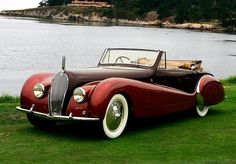 1938 Voisin Saliot Roadster Convertible with a Dark Maroon hood & side panels.The rest of the car is a Metallic Ruby Red with wide white wall tires. Retro Cars, Vintage Cars, Antique Cars, Convertible, Bugatti, Art Deco Car, Cars 1, Roadster, Pebble Beach Concours
