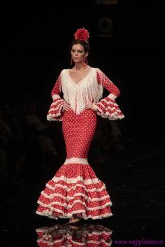 Colección 'Enamórame'  por  Nuevo Montecarlo  en  Simof 2012 Flamenco Costume, Flamenco Dresses, Red Frock, Vestidos Flapper, Spanish Style, Frocks, Lehenga, Fashion Art, Mermaid