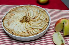 Flaky apple pie