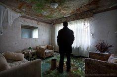 Abandoned Hotel - Matthew Christophers Abandoned America