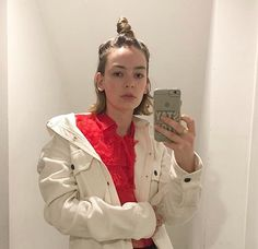 Casey Atypical, Pretty People, Beautiful People, Brigette Lundy Paine, Girl Crushes, Pretty Woman, Celebs, Fashion Outfits, Lady