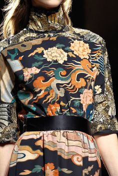 Dries Van Noten Fall 2012 Ready-to-Wear Fashion Show Runway Fashion, High Fashion, Fashion Show, Womens Fashion, Fashion Tips, Dries Van Noten, Looks Street Style, Fashion Details, Fashion Design