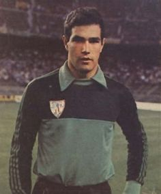 Andoni Zubizarreta--- La primera vez que lo vi. Safari, Athletic Clubs, Goalkeeper, Football Soccer, Fc Barcelona, Coaching, Valencia, Sports, Mens Tops