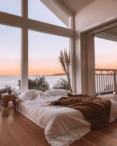 A cozy bed with an amazing view! What do you think of this bedroom? TAG a frien… A cozy bed with an amazing view! 😍 What do you think of this bedroom? TAG a friend who would love to live here! Dream Home Design, My Dream Home, Home Interior Design, House Design, Interior Styling, Loft Design, Dream House Interior, Luxury Interior, Design Model