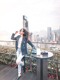 Just me and my obsession with a cool rooftop Still trying to fight the Jetlag around here! Ainda lutando contra o jetlag! Places In Hong Kong, Places In Tokyo, Nyc Instagram, Instagram Worthy, Hongkong Outfit Travel, Video Games For Kids, Travel Pictures, Travel Inspiration, Rooftops