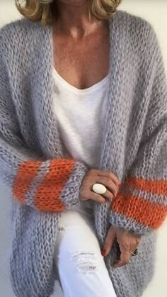 Only if there's suitable yarn… Knitwear Fashion, Knit Fashion, Sweater Fashion, Crochet Shirt, Knit Crochet, Knitting Designs, Knitting Patterns Free, Knitting Yarn, Hand Knitting