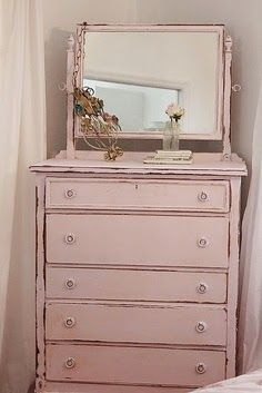 Adding That Perfect Gray Shabby Chic Furniture To Complete Your Interior Look from Shabby Chic Home interiors. Pink Furniture, Shabby Chic Furniture, Shabby Chic Decor, Vintage Furniture, Painted Furniture, Furniture Design, Furniture Stores, Bedroom Furniture, Furniture Ideas