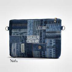 Denim Tote Bags, Denim Handbags, Jean Purses, Mode Jeans, Denim Ideas, Denim Crafts, Recycled Denim, Denim Art, Cloth Bags