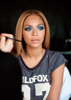 Beyoncé loves the designer t shirt from Wildfox.  http://www.cap-richo.com/en/celebrity-clothes-wildfox-cowgirl10-sweater.html