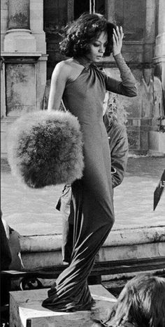 "Diana Ross on the set of ""Mahagony"" circa Hollywood Glamour, Old Hollywood, Diana Ross Style, Disco Fashion, 70s Fashion, Fashion 2020, Vintage Fashion, Lady Sings The Blues, Vintage Black Glamour"