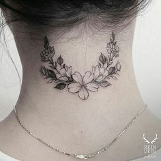 Elegant-Neck-Flower-Tattoo all tattoos, wreath tattoo et flo Future Tattoos, Love Tattoos, Beautiful Tattoos, Body Art Tattoos, New Tattoos, Small Tattoos, Floral Tattoos, Mini Tattoos, Best Neck Tattoos