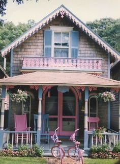 Cottage Charm Pink House On The Camp Grounds In Oak Bluffs Martha S Vineyard Lots Of Gingerbread Trim Baby Blue Photo By Tom Collins