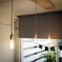 Heel erg blij met mijn nieuwe lampen boven de eetkamertafel met de fittingen en het snoer van de @snoerboer te koop bij @karwei en de lampen van @xenos_nl #projectlivingroom #snoerboer #karwei #xenos #gewoonmarieke