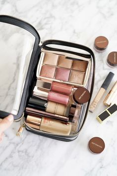 Travel Beauty - The Daily Edited Transparent Cosmetic Case, . 2019 - Make upTravel Beauty - The Daily Edited Transparent Cosmetic Case, The Beauty Look Book Makeup Storage, Makeup Organization, Makeup Drawer, Eyeshadow Makeup, Makeup Cosmetics, Drugstore Makeup, Makeup Brushes, Eyeshadow Palette, Glitter Eyeshadow