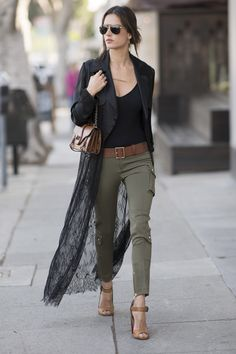May 15, 2017 Who: Alessandra Ambrosio What: Cargo Pants Why: The model's daytime look is nothing short of very cool, in skinny cargo trousers and a lace Vatanika trench coat. Get the look now: J. Brand pants, $228, shopbop.com SHOP