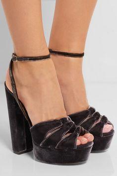 8b7069e844b6 Aquazzura - Mira Plateau velvet platform sandals