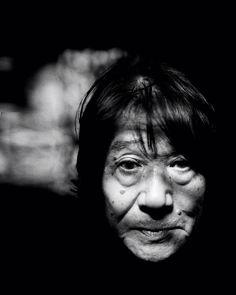 Daido Moriyama : «On m'a toujours dit que je faisais des images sales History Of Photography, White Photography, Street Photography, Portrait Photography, Most Famous Photographers, Great Photographers, Fondation Cartier, William Klein, Prints