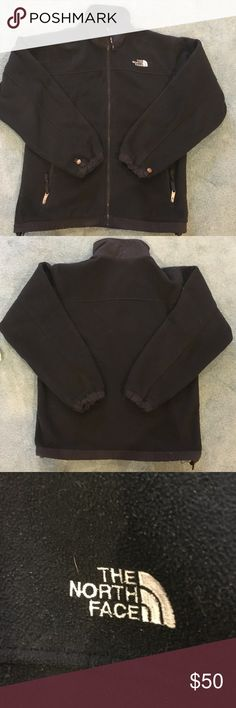 Woman's north face fleece Been worn but no damage North Face Jackets & Coats