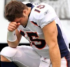 Tim Tebow Tebowing -