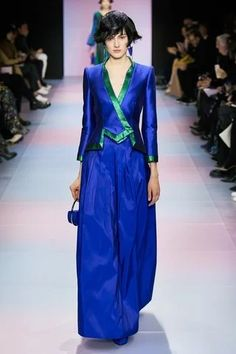 Armani Privé Frühjahr/Sommer 2020 Haute Couture - Fashion Shows Fashion 2020, Runway Fashion, Spring Fashion, High Fashion, Fashion Show, Fashion Weeks, London Fashion, Indian Fashion, Armani Prive