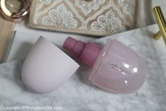 Decorte Comfort Day Mist review Pink Bottle, Eye Primer, Colorful Eyeshadow, Luxury Beauty, Just The Way, Pretty In Pink, Mists, Swatch