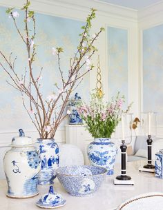 Living the Well Appointed Life with Melissa Hawks Grey Interior Doors, Chinoiserie Chic, Chinoiserie Wallpaper, Blue And White China, Navy Blue, Asian Decor, Decorated Jars, White Rooms, White Bedroom
