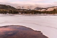 Sprague Lake with some Beautiful Sunrise Lighting [OC] (3465x2310) http://ift.tt/2nyL8dO