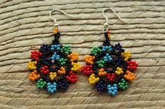 Mexican Huichol Art Beaded Earrings- Jewelry Hand Made. Seed Bead Jewelry, Seed Bead Earrings, Beaded Earrings, Seed Bead Projects, Beading Projects, Native Beadwork, Native American Beadwork, Beaded Jewelry Patterns, Beading Patterns