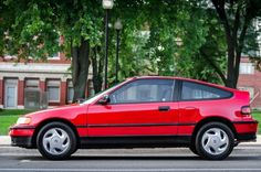1988-1989 Honda CRX Si The CRX started a trend that would set the stage for many sports coupes to follow. Although it was not actually a sports car at all, the CRX proved that you could make a few sporty adjustments to a basic economy car, stick it in a sporty body and create an entirely new segment! It was really just a civic with a shorter rear end and a stiffer suspension, but the CRX was a head turner and was quite fun to drive.