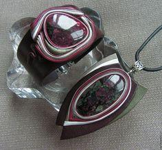 Pingentes artesanais.  Mestres Fair - feito à mão.  Comprar Conjunto de couro com eudialyte -2.  Handmade.  decoração