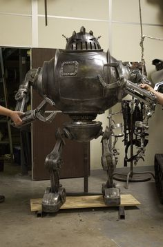 Behind-the-Scenes Making the Zathura Robot | Stan Winston School of Character Arts