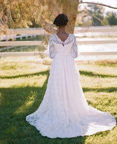 Gaby J Photography romantic vintage bride Las Vegas wedding, staysi lee bridal, vintage lace wedding dress