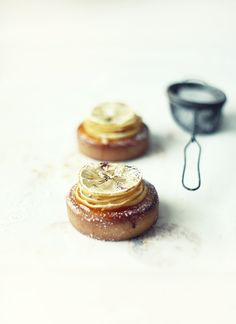 lemon tartlets / via what katie ate...
