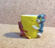 TOM AND JERRY VINTAGE NOVELTY PLASTIC EGG CUP 1970