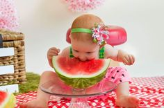 First birthday watermelon smash!! Perfect idea for summer!  love this gorgeous little girl @violetjoyphotos #violetjoyphotography