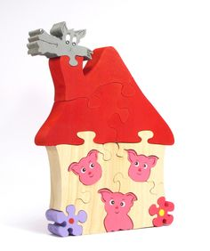 Puzzle Les trois petits cochons : Jeux, jouets par artisan-une-souris-verte Fine wood furnishings is a happiness to put in one's home. Building wood is of a much better quality than the remanufacture grade. This depends upon exactly what you want to utili Wooden Projects, Wood Crafts, Diy And Crafts, Wooden Toy Cars, Wood Toys, Scroll Saw Patterns Free, Wood Patterns, Woodworking Patterns, Woodworking Crafts