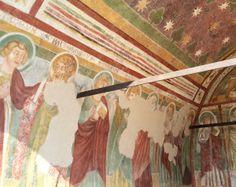 Parete laterale sinistra con raffigurazione di santi