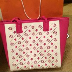 New Vera Bradley Tote Bag It's brand new Vera Bradley Tote Bag.nice color perfect for summer with lots of room inside. Vera Bradley Bags Totes