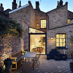Lambeth Marsh House is a family home renovated by Fraher Architects. Lambeth Marsh House had been left unoccupied for over ten years Terraced House, Residential Architecture, Architecture Design, Architects London, Design Exterior, House Extensions, House Roof, Beautiful Homes, Brick