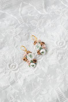 Statement Earrings, Dangle Earrings, Light Peach, Polymer Clay Earrings, Mom Style, Flower Earrings, Modern Jewelry, Earrings Handmade, Dangles