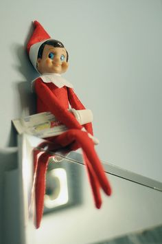 Elf on the Shelf 2010 (Fizzy): 12/06: Fizzy our Elf after working his magic on our bathroom mirror.